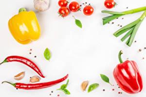 Photo Vegetables Bell pepper Black pepper Chili pepper Tomatoes Garlic White Food