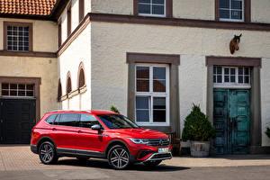 Fondos de escritorio Volkswagen Rojo Metálico Crossover Tiguan Allspace 4MOTION, (Worldwide), 2021 autos