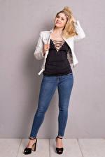 Fotos Yvonne Woelke Blondine Blond Mädchen Jeans Bein junge frau Mädchens