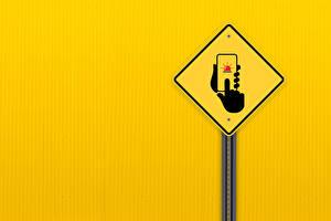 Fonds d'écran Smartphones Main Arrière-plan coloré road sign