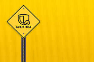 Fondos de escritorio Palabra Inglés Fondo de color safety first, road sign