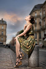 Wallpapers Pose Sitting Dress Bokeh Bea Girls pictures images