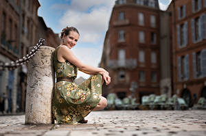 Wallpapers Pose Sitting Dress Smile Glance Bokeh Bea Girls pictures images