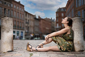 Wallpapers Sitting Pose Legs Dress Bokeh Bea Girls pictures images