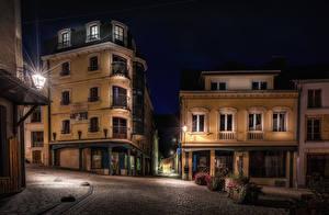 Tapety na pulpit Belgia Domy Noc Latarnia uliczna Ulica Wallonia miasto