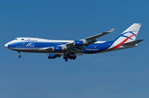 Bakgrundsbilder på skrivbordet Boeing Flygplan Passagerarplan Sidovy 747-400ERF, CargoLogicAir