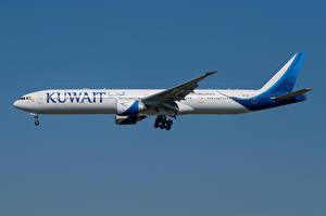 Bakgrundsbilder på skrivbordet Boeing Flygplan Passagerarplan Sidovy 777-300ER, Kuwait Airways