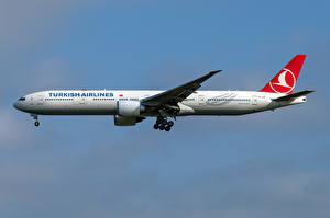 Bakgrundsbilder på skrivbordet Boeing Flygplan Passagerarplan Sidovy 777-300ER, Turkish Airlines