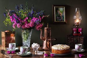 Desktop wallpapers Cakes Kerosene lamp Bouquets Sugar Vase Cup Food Flowers
