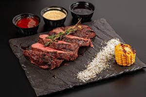 Bakgrunnsbilder Mais Kjøttprodukter Skiver Ketchup steak Mat