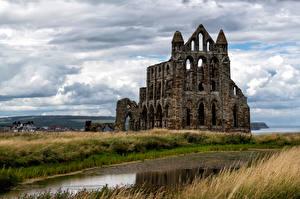 Tapety na pulpit Anglia Klasztor Ruiny Chmury Whitby Abbey przyroda