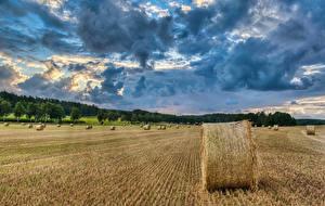 Sfondi desktop Germania Campo agricolo Fieno Nubi Natura