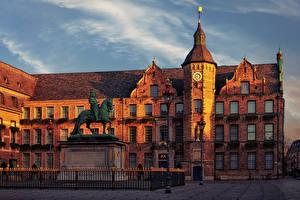 Sfondi desktop Germania La casa Monumento Orologio Piazza della città Siepe Lampioni