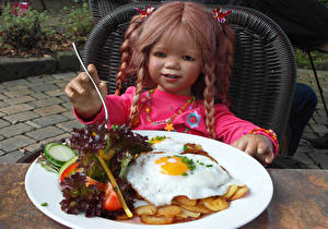 Bureaubladachtergronden Duitsland Park Meisjes Een pop Borden Spiegelei Grugapark Essen Voedsel