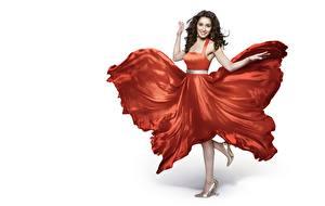 Papel de Parede Desktop Indian Posando Vestido Pernas Sorrir Fundo branco Shraddha Kapoor Celebridade Meninas