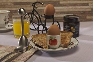 Bureaubladachtergronden Vruchtensap Brood Ontbijt Eieren Waterglas Voedsel