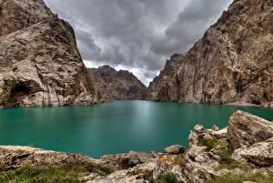 Bilder See Berg Felsen Lake Kel Suu, Kyrgyzstan Natur