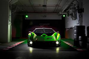 Tapety na pulpit Lamborghini Widok z przodu Zielony Reflektory samochodowe Garażem Essenza SCV12, 2020 -- Samochody