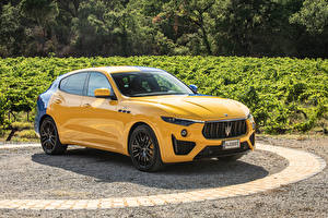 Tapety na pulpit Maserati Żółty Metaliczna Levante GT Hybrid Fuoriserie, 2021 Samochody
