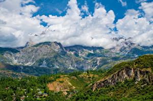 Fonds d'écran Montagnes Photographie de paysage Nuage Arslanbob, Kyrgyzstan