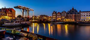 Bureaubladachtergronden Nederland Gebouw Rivierschepen Waterfront Maassluis Steden