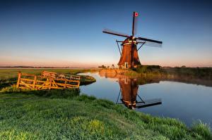 Tapety na pulpit Holandia Poranek Wiatrak Kanał wodny Alblasserwaard przyroda