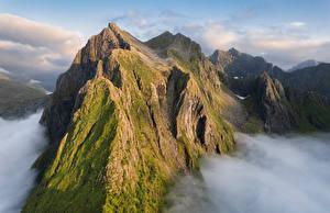 Fondos de escritorio Noruega Montañas Islas Lofoten Nube Laupstad