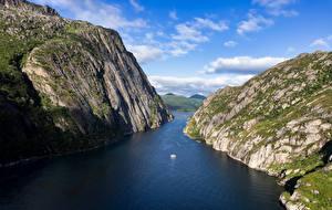 Fondos de escritorio Noruega Montañas Islas Lofoten Fiordo Acantilado Trollfjord