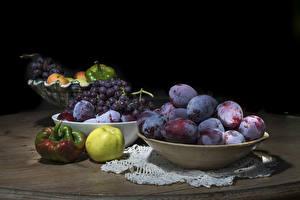 Tapety na pulpit Śliwki Winogrona Papryka Jabłka Martwa natura