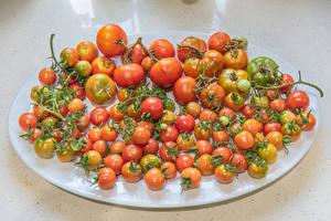 Bureaubladachtergronden Tomaten Veel Bord maaltijd spijs