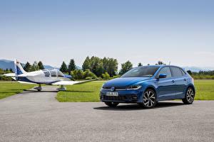 Hintergrundbilder Volkswagen Blau Metallisch Polo R-Line, (Worldwide), (Typ AW), 2021 automobil