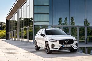 Sfondi desktop Volvo CUV Bianco Metallizzato XC60 B5 R-Design, (Worldwide), 2021 Auto