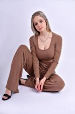 Papel de Parede Desktop Modelo Pose Sentados Ver Cabelo loiro Meninas Anais Gouze moça
