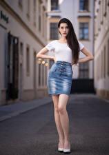 Bureaubladachtergronden Pose Rok (kleding) T-shirt Kijkt Anastasia Jonge_vrouwen