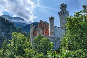 Fonds d'écran Allemagne Château fort Montagnes Branche Neuschwanstein Castle Villes images