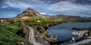Papel de Parede Desktop Islândia Montanhas Atracadouros Nuvem Aldeia Arnarstapi Naturaleza