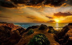 Bureaubladachtergronden Israël Zonsopgangen en zonsondergangen De kust De zee Hemelgewelf Wolken Mikhmoret Natuur