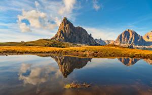Bakgrundsbilder på skrivbordet Italien Berg Insjö Speglas Molnen Dolomites, Cortina d'Ampezzo