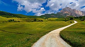 Bakgrundsbilder på skrivbordet Italien Berg Vägar Alperna Molnen Trentino-Alto Adige