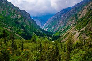 Bakgrundsbilder på skrivbordet Berg Park Molnen Ala Archa National Park, Kyrgyzstan