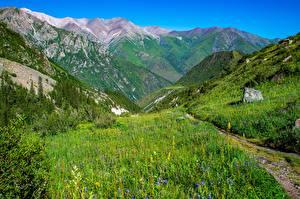 Bakgrunnsbilder Fjell Park Landskap En sti Ala Archa National Park, Kyrgyzstan