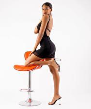 Papel de Parede Desktop Poltrona Pose Pernas Vestido Ver Mya mulheres jovens