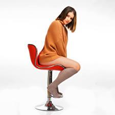Papel de Parede Desktop Poltrona Pose Sentados Pernas Meias compridas Suéter Ver Nikki moça
