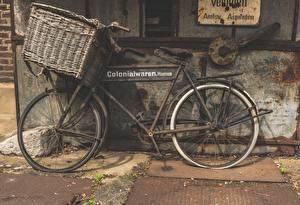 Fonds d'écran Ancien Panier en osier Bicyclette Latéralement Vieux