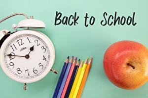 Fondos de escritorio Escuela Reloj Manzanas Reloj despertador Fondo de color Palabra Inglés Lapices