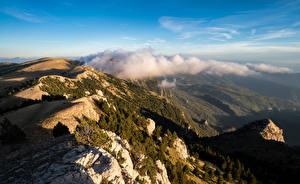 Bakgrundsbilder på skrivbordet Spanien Berg Molnen Från ovan Catalonia