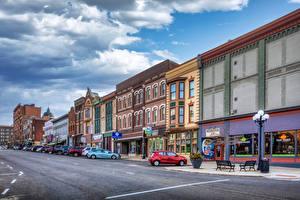 Pictures USA Building Roads Street Street lights Bloomington, Illinois